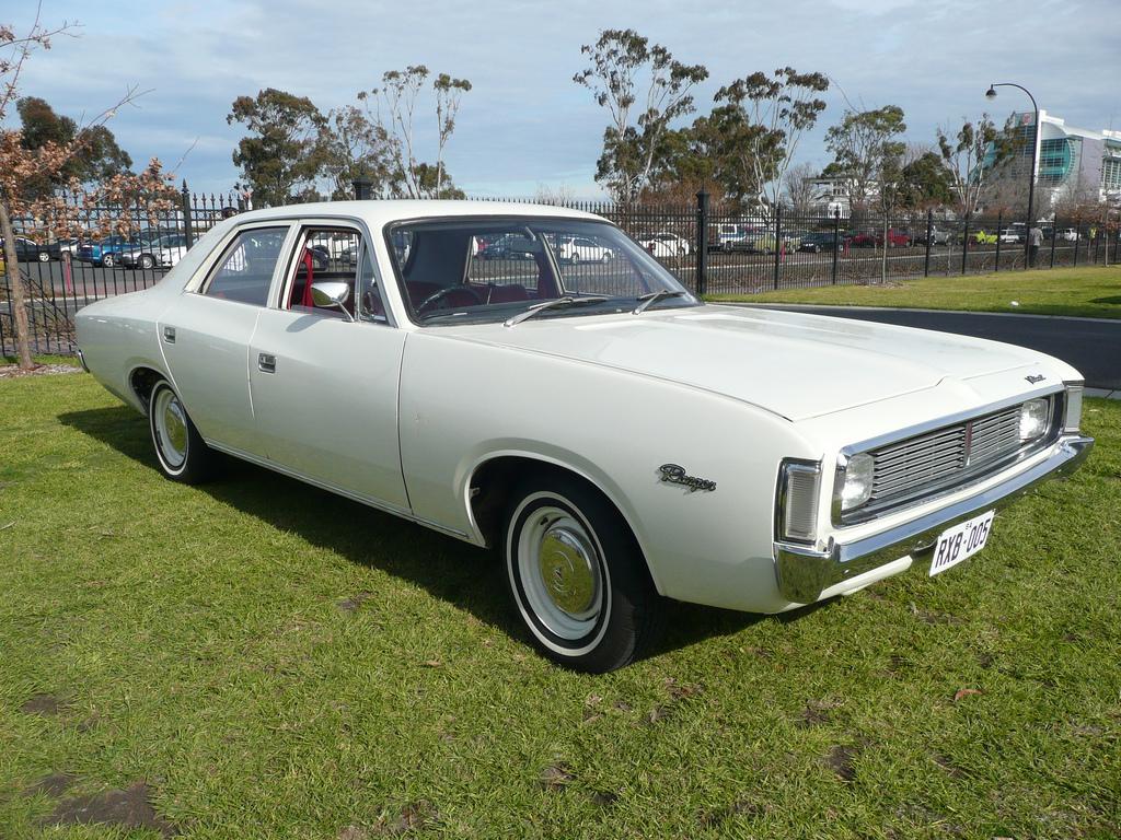 Chrysler Valiant (VH) - Wikipedia