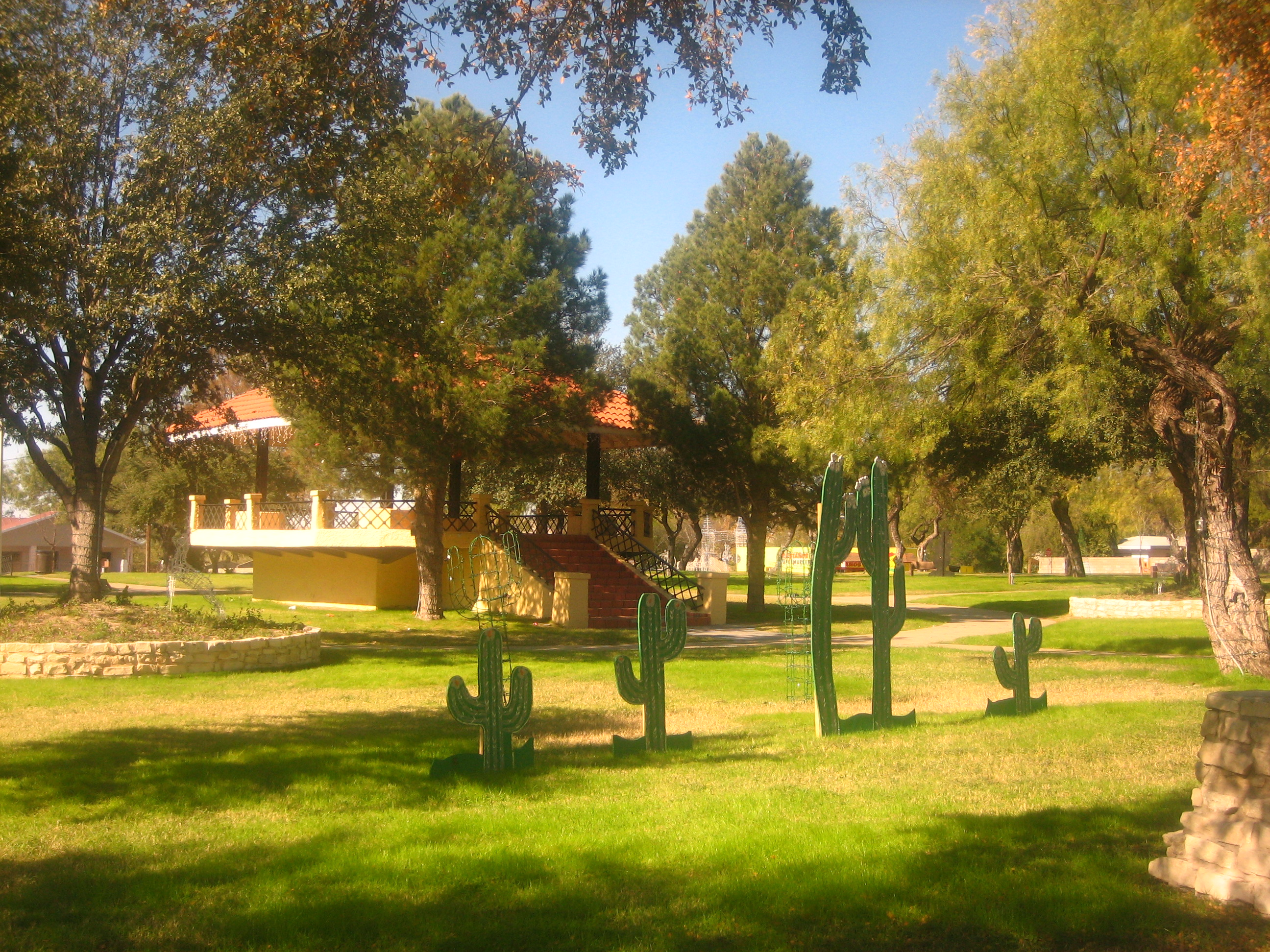 File:City Park in Eagle Pass, TX IMG 1986 JPG - Wikimedia Commons