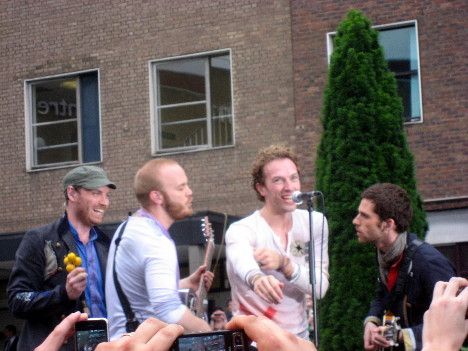 Depiction of Coldplay