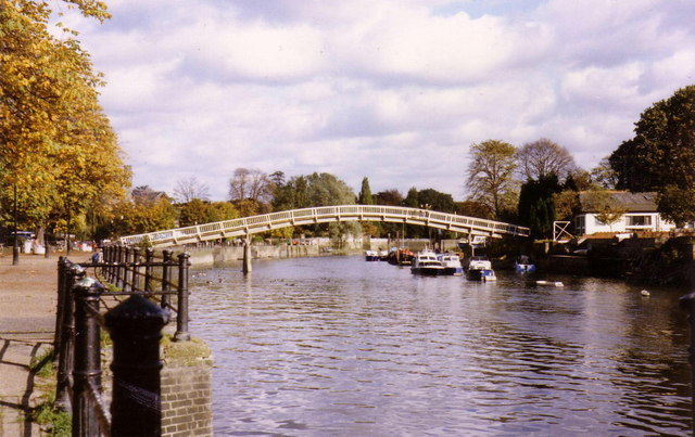 Eel Pie Island footbridge - geograph.org.uk - 363866