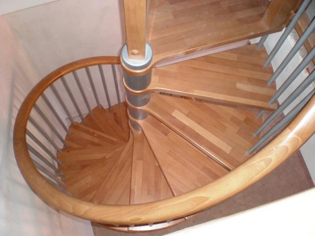 File Escaleras Yuste Escalera De Caracol Haya Hierro Jpg Wikimedia Commons