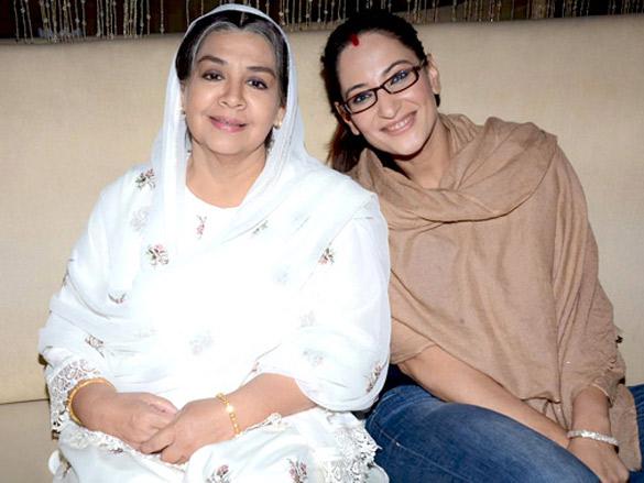 File:Farida Jalal and Rakshanda Khan at SAB TV launch 'Ammaji Ki