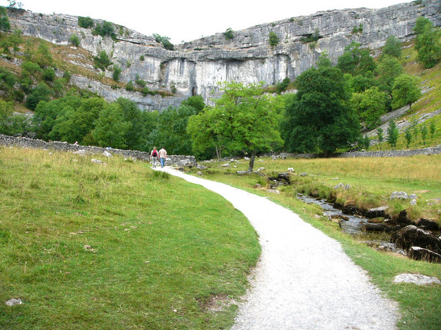Footpath to Malham Cove - geograph.org.uk - 447399