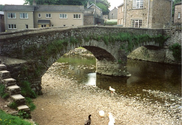 File:Frank's Bridge, Kirkby Stephen - geograph.org.uk - 365980.jpg