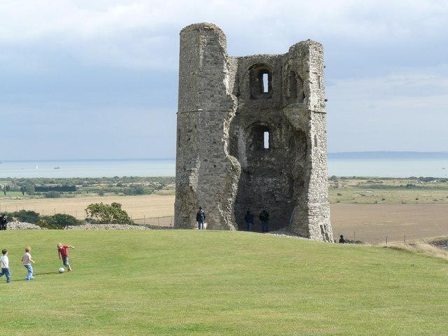 Hadleigh Castle - geograph.org.uk - 930551