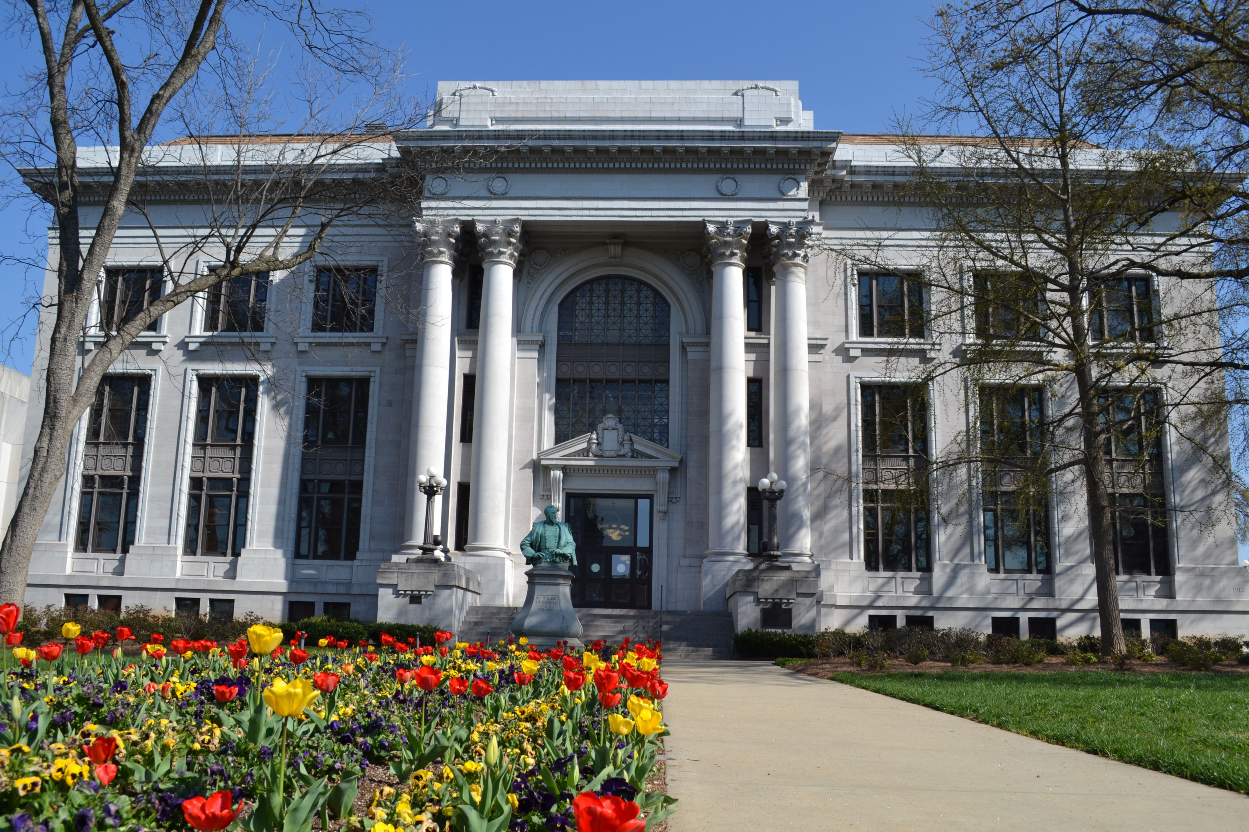 Chattanooga >> File:Hamilton County Courthouse; Chattanooga, Tennessee; April 6, 2013.JPG - Wikimedia Commons