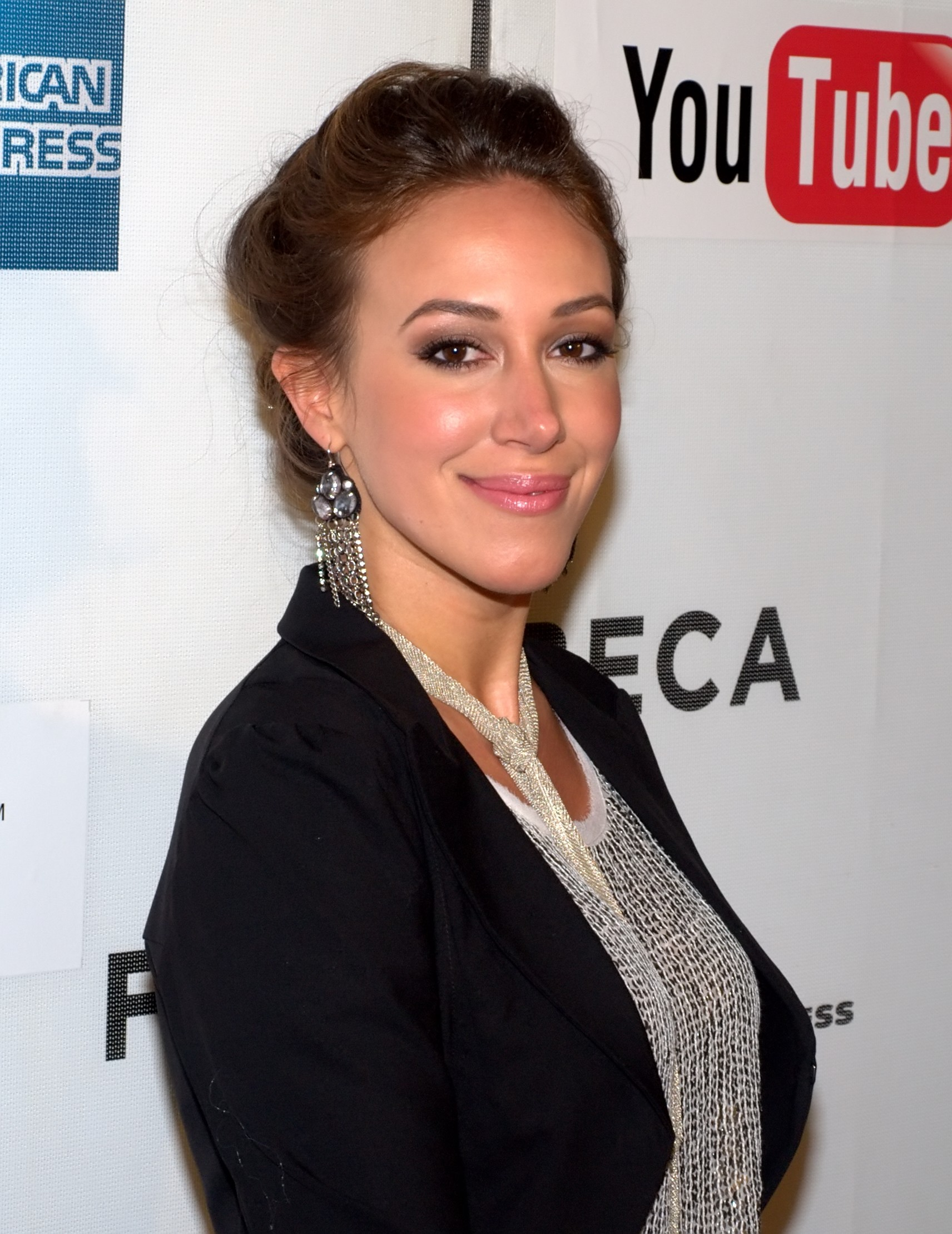 Haylie duff who she is dating
