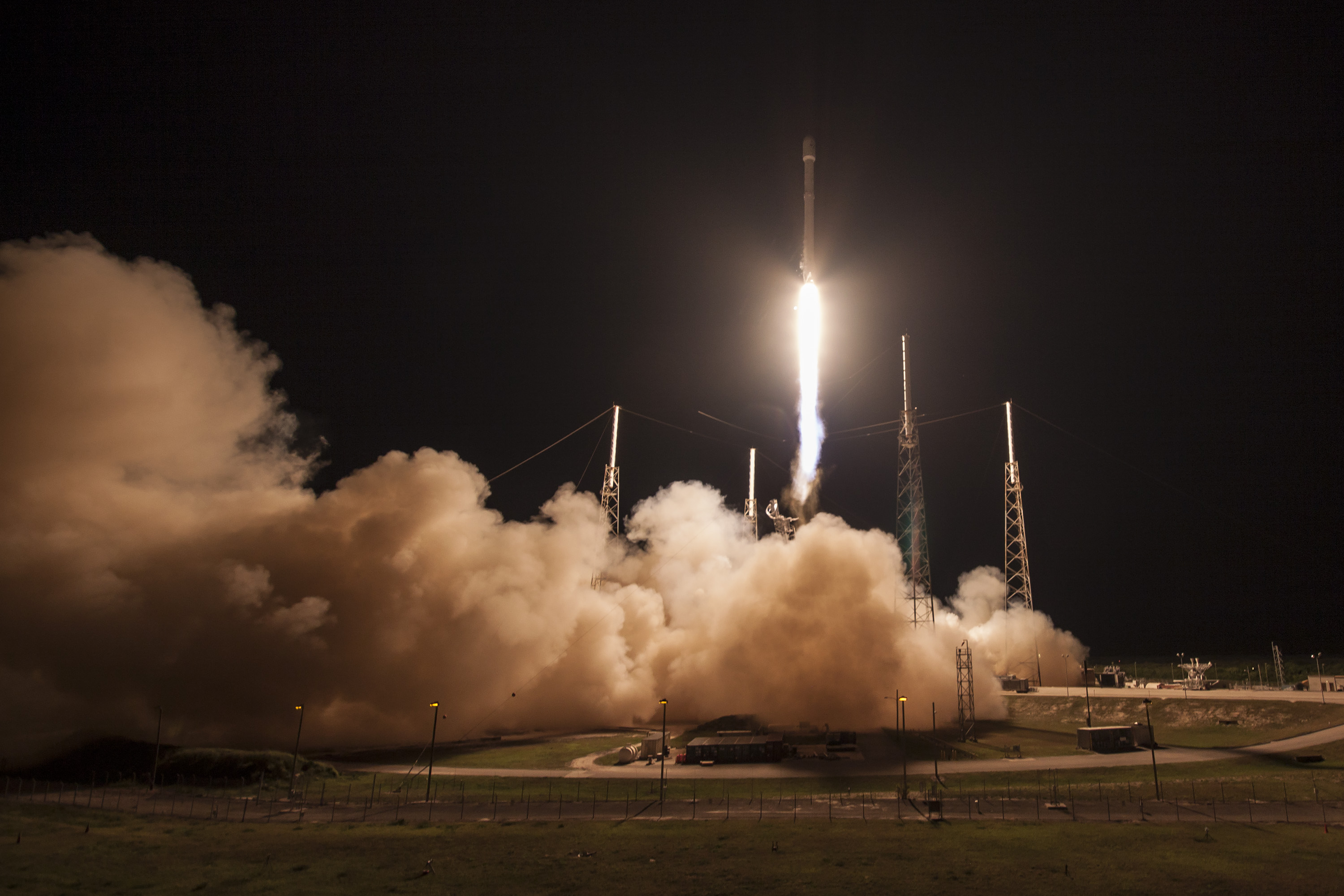 spacex launches rocket - HD2667×2000