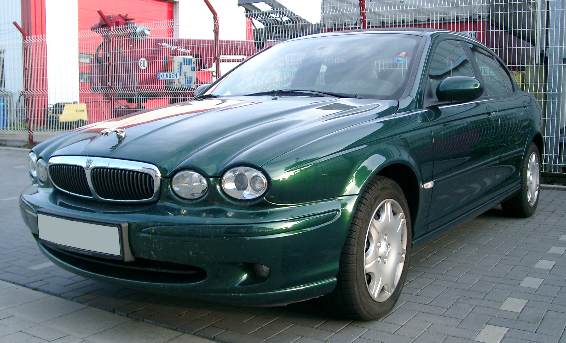 File:Jaguar X-type front 20070521.jpg - Wikimedia Commons