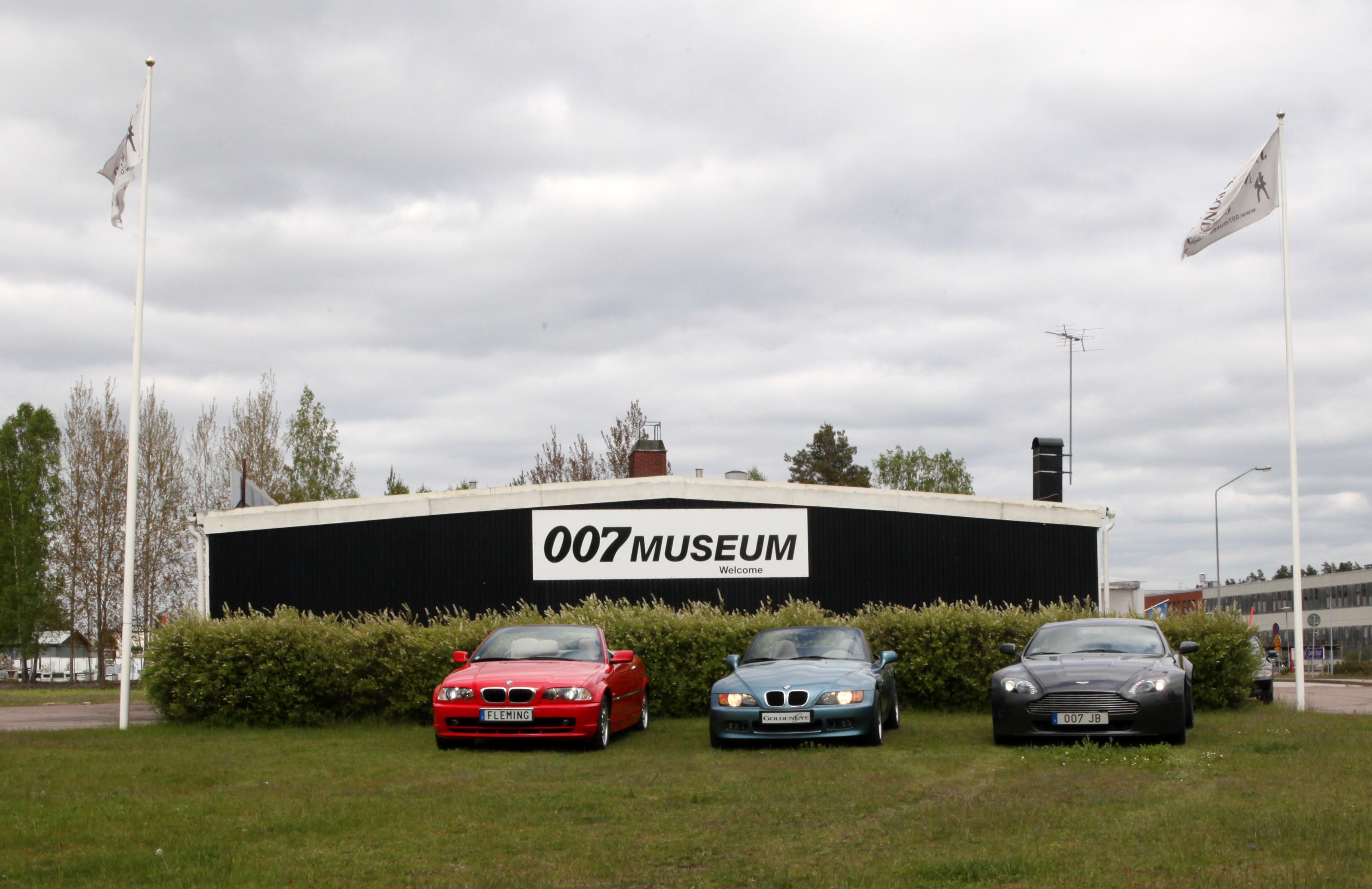 File James Bond 007 Museum Nybro Jpg Wikimedia Commons