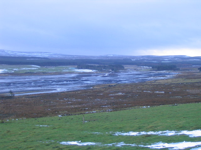 Low water at Harperrig Reservoir, from Auchinoon - geograph.org.uk - 649231