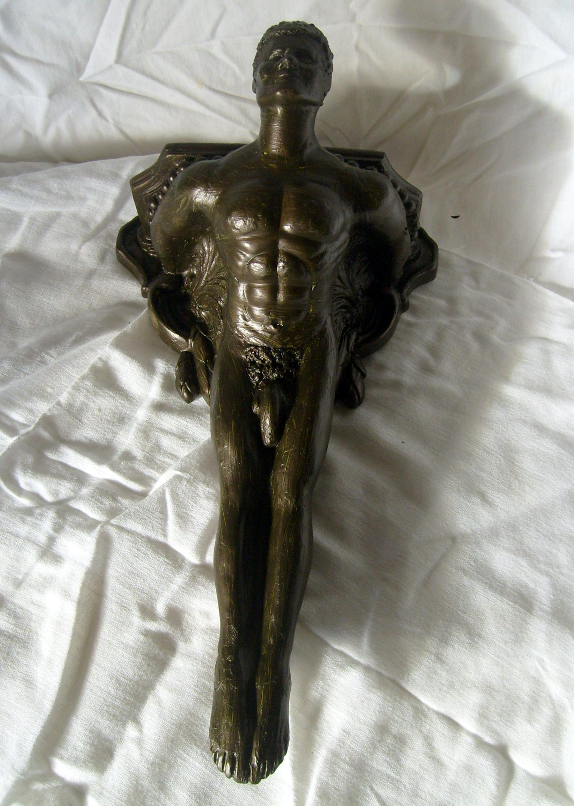 File:Male Nude Corbel Sculpture by Lidbury.jpg