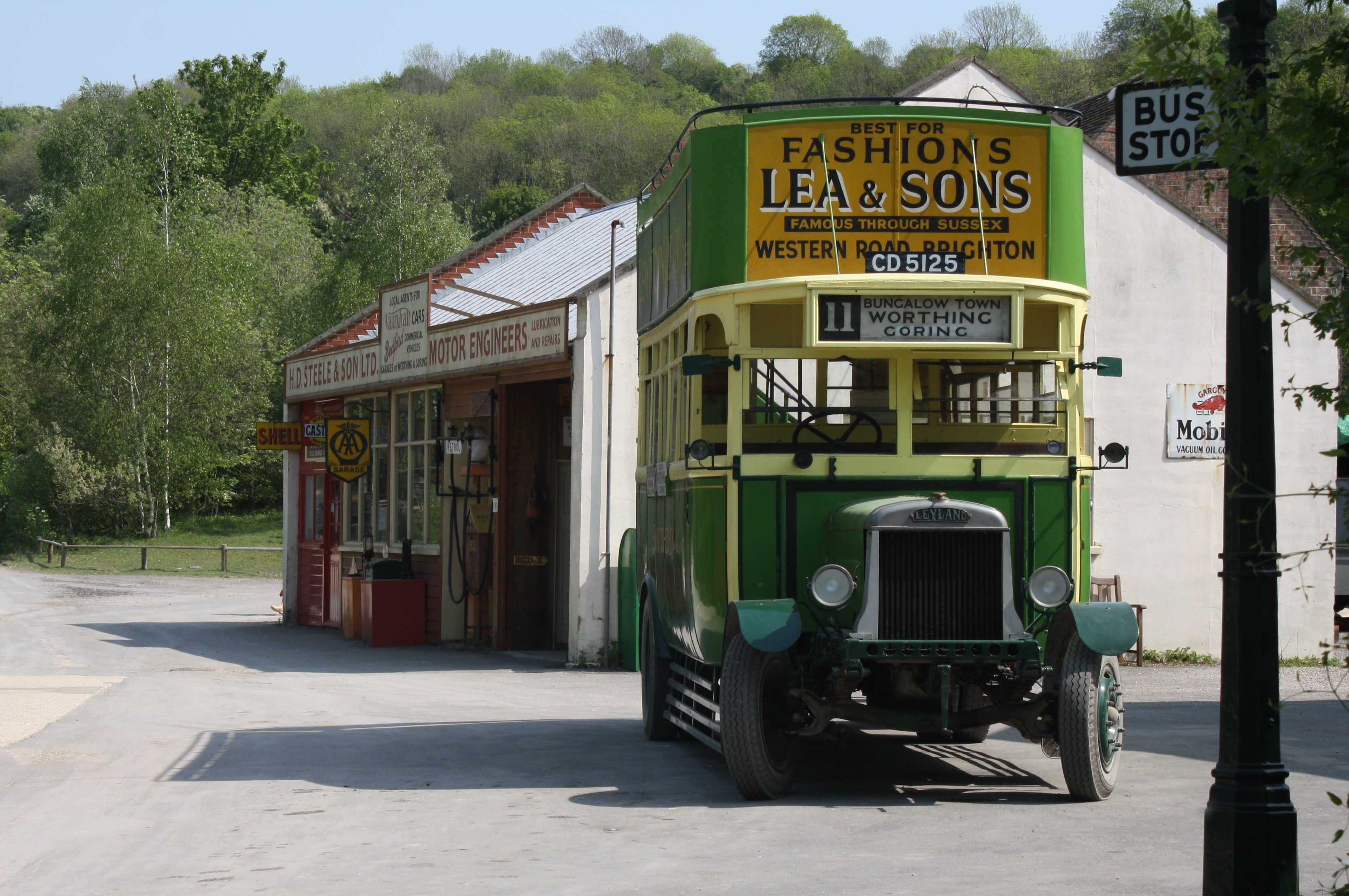 File Motor Garage And Southdown Bus 125 Cd 5125