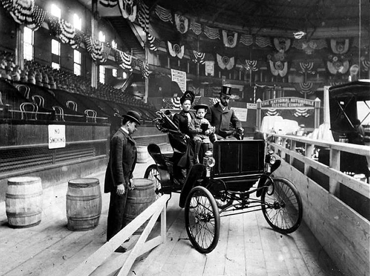 Fichier:New York Auto Show, 1900, New York Times.JPG