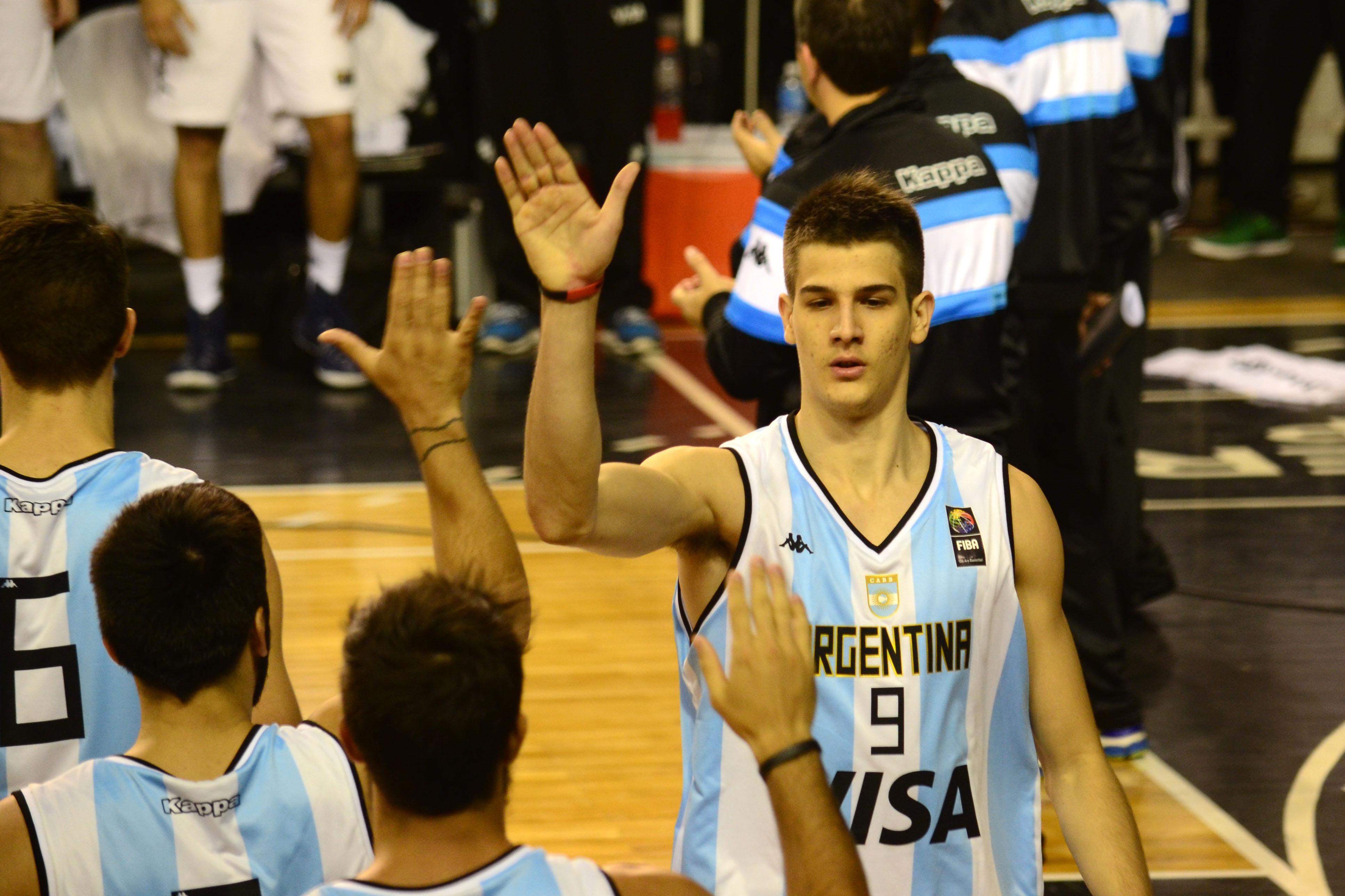 Nico Brussino, nuevo jugador del Basket Zaragoza, tiene dilatada experiencia con la selección nacional. | El Gráfico