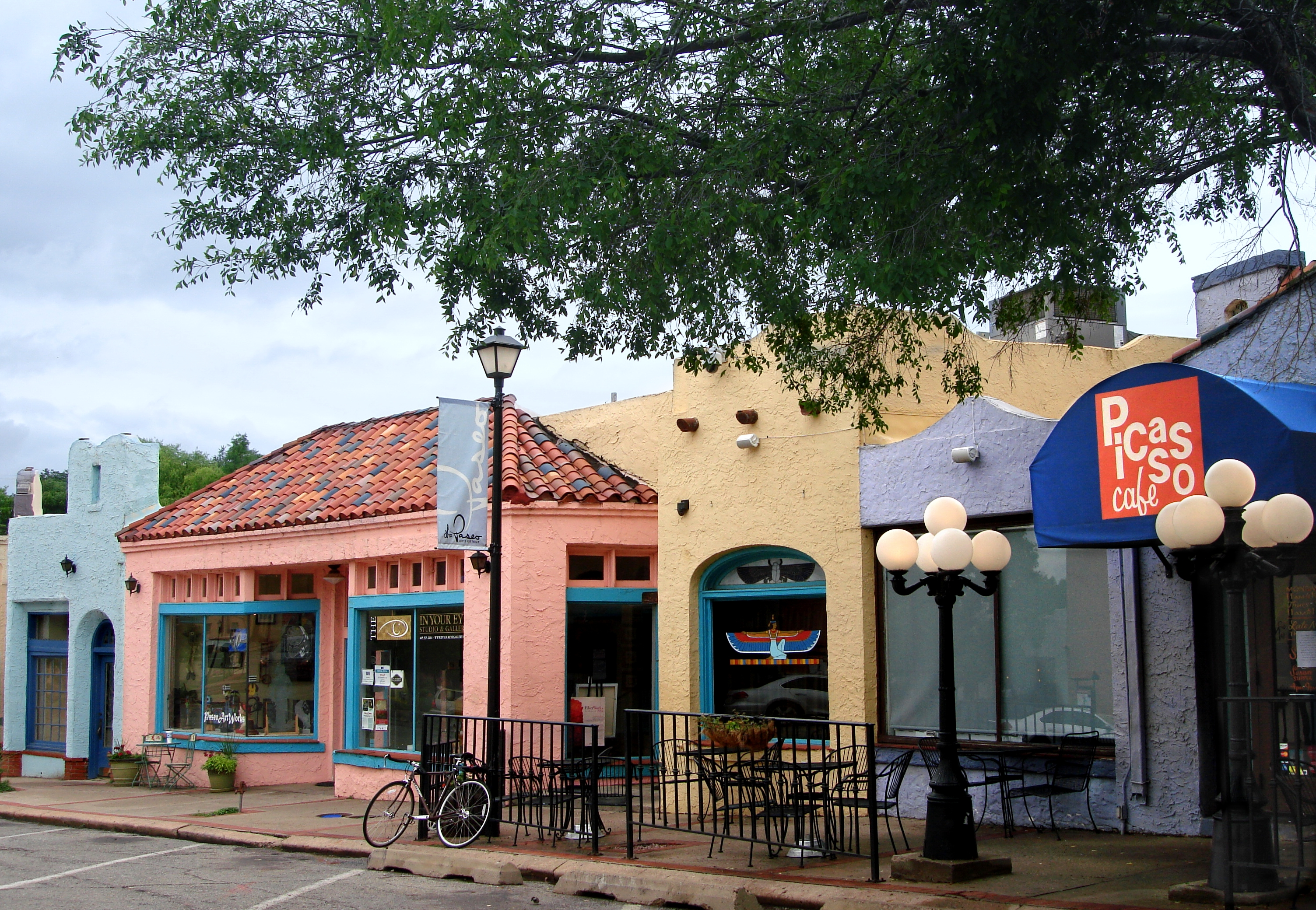 File:Oklahoma City, OK - The Paseo Arts District - panoramio (4 ...