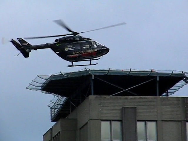 File Otago Rescue Helicopter Landing On Dunedin Hospital
