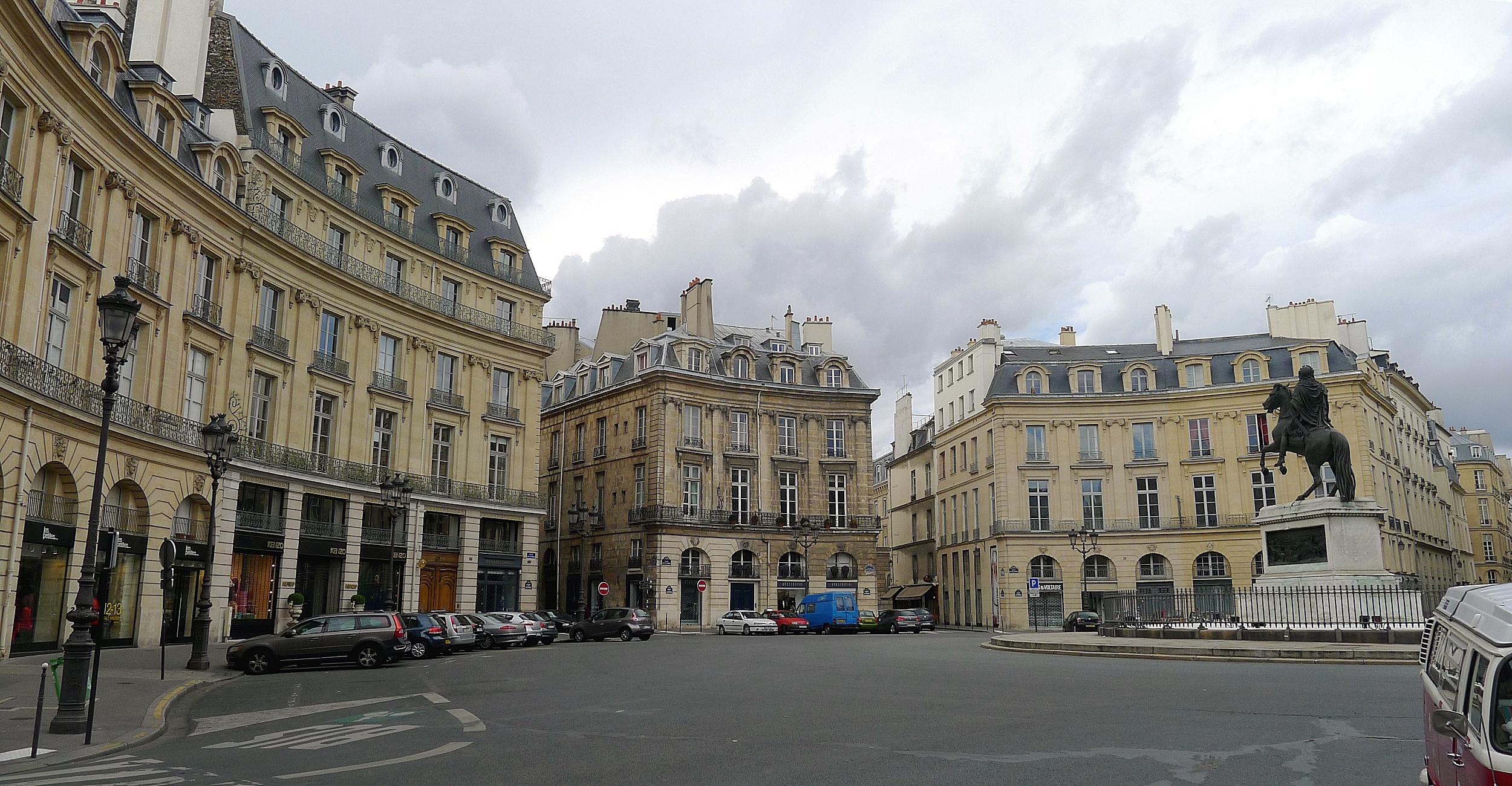 Place Des Victoires Restaurant