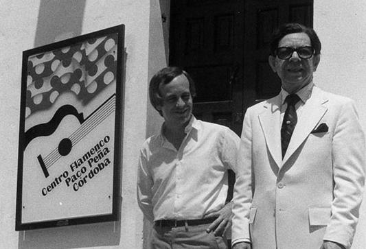 Paco Peña (izquierda) junto a Sabicas.