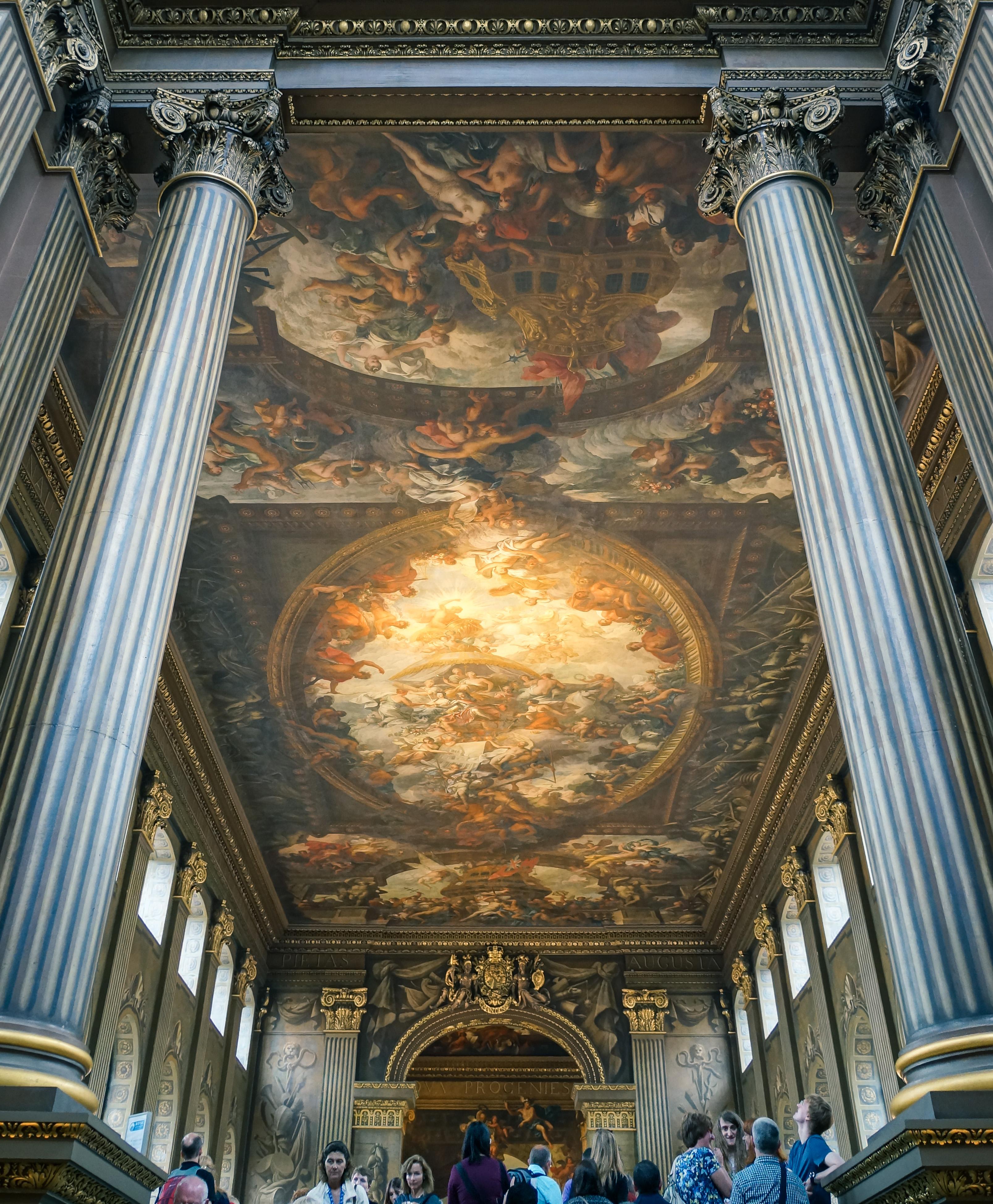https://upload.wikimedia.org/wikipedia/commons/2/2c/Painted_Hall.jpg