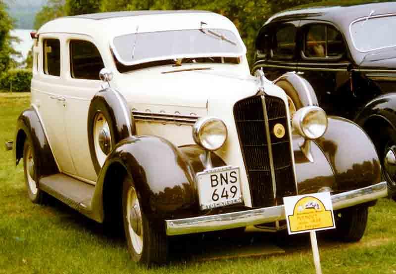 File plymouth custom de luxe 4 door sedan for 1935 plymouth 2 door sedan