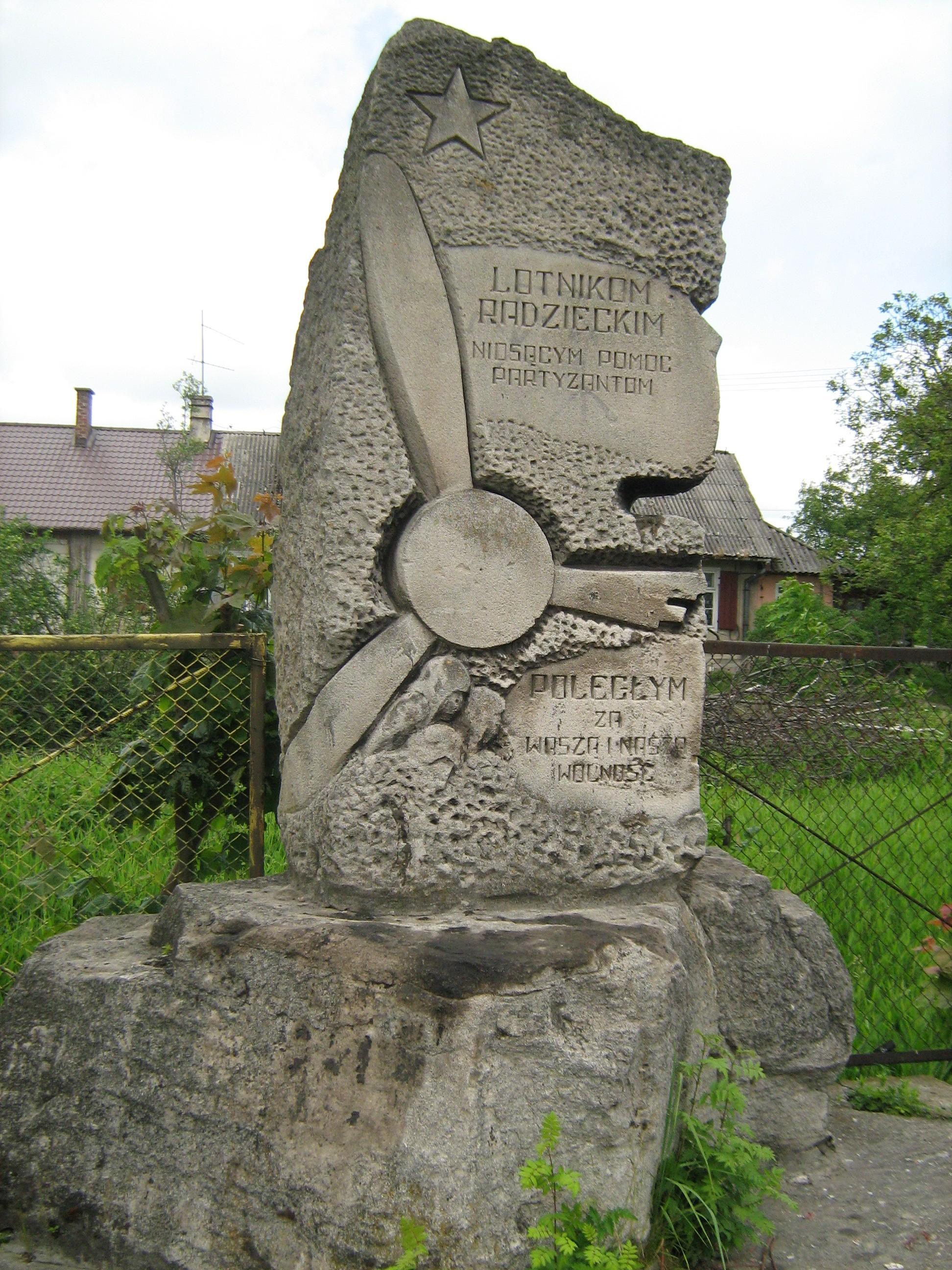 Pomnik Lotników Radzieckich w Siedliskach