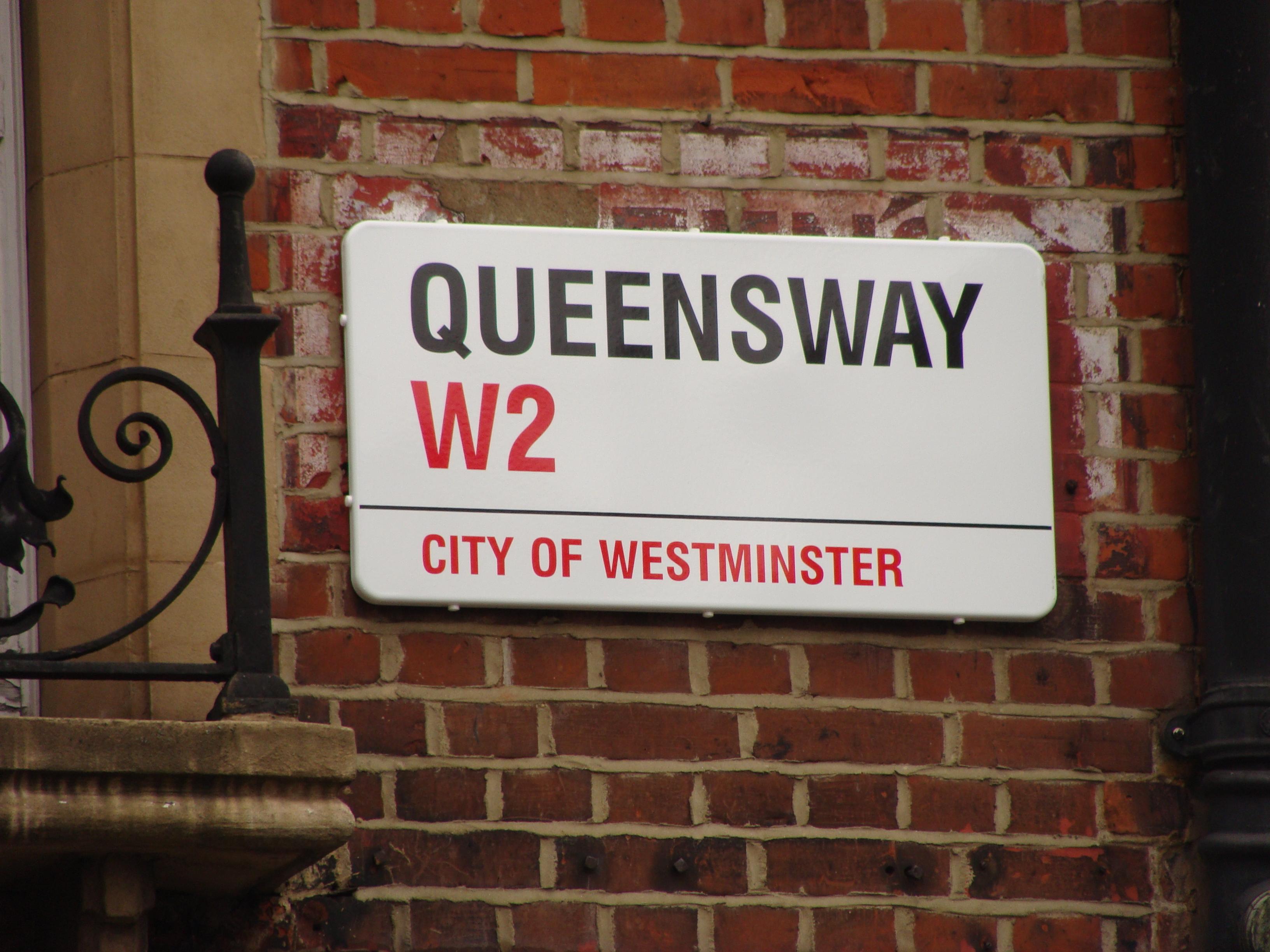 File:Queensway W2.001 - London.JPG