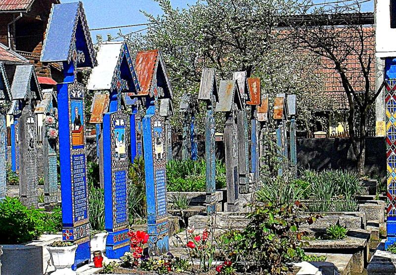 https://upload.wikimedia.org/wikipedia/commons/2/2c/Rumunia,_Sapanta,_Weso%C5%82y_Cmentarz_-Aw58-_28_kwietnia_2012_r.SDC12145.JPG