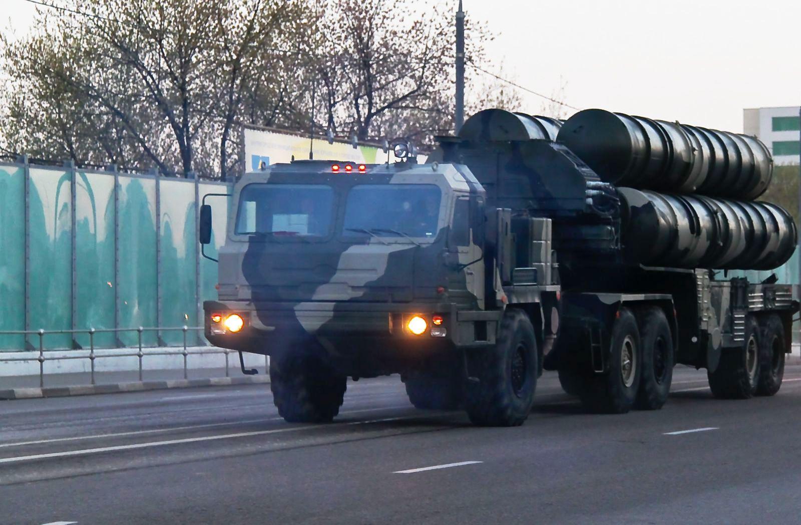 File:Russian S-400 Triumf missile launcher.jpg - Wikimedia Commons