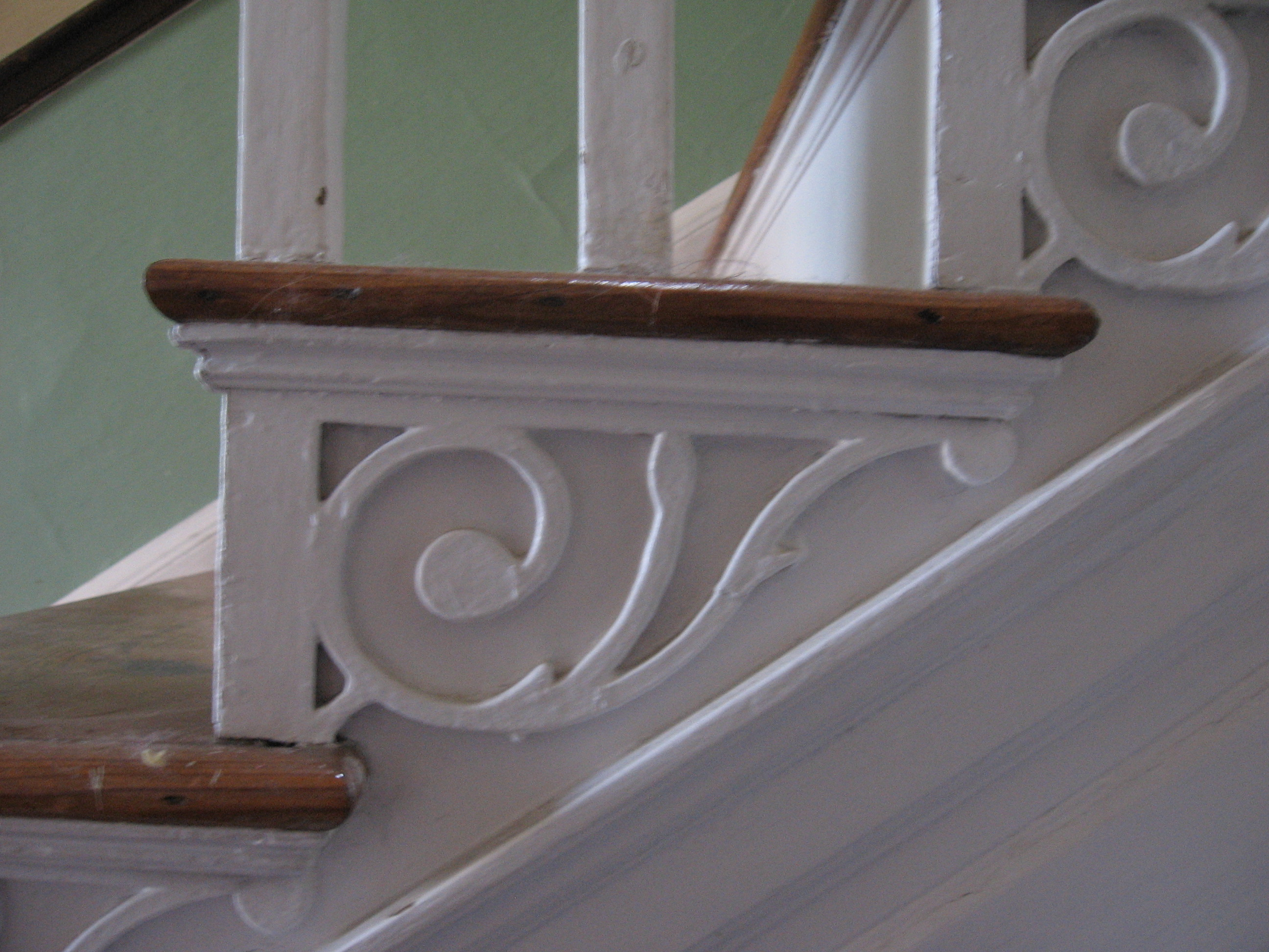 File ruth mansion house stair bracket wikimedia House brackets
