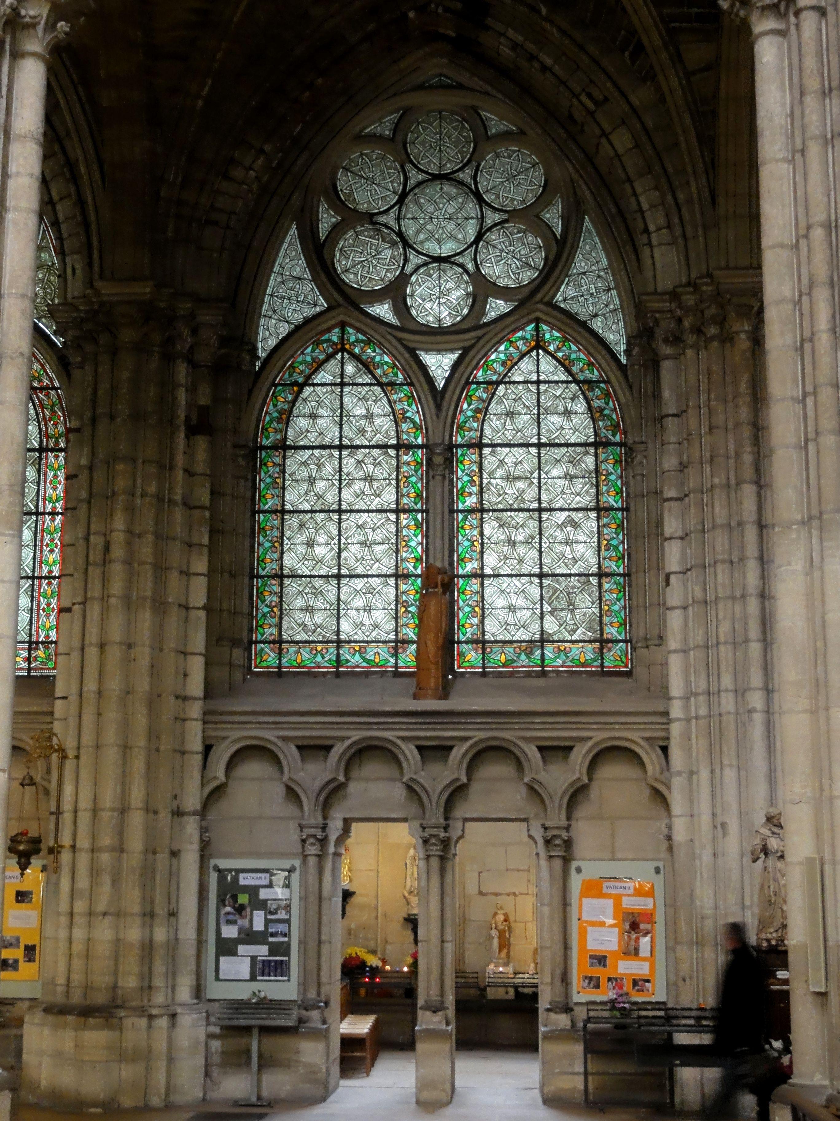 File:Saint-Denis (93), basilique Saint-Denis, chapelle de la 2e travée du bas-côté nord.jpg