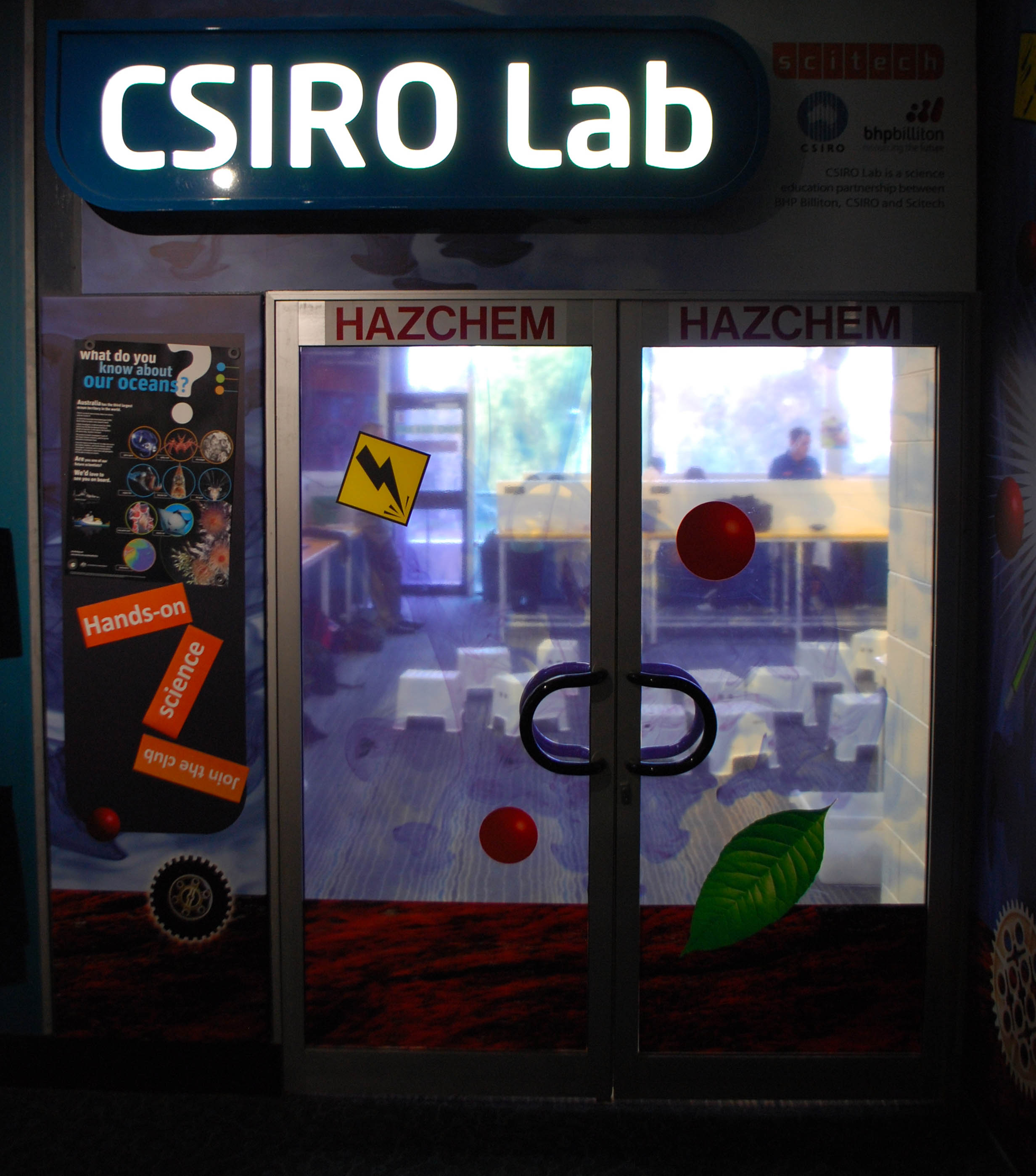 File:Scitech CSIRO Lab 2013 SMC jpg - Wikimedia Commons