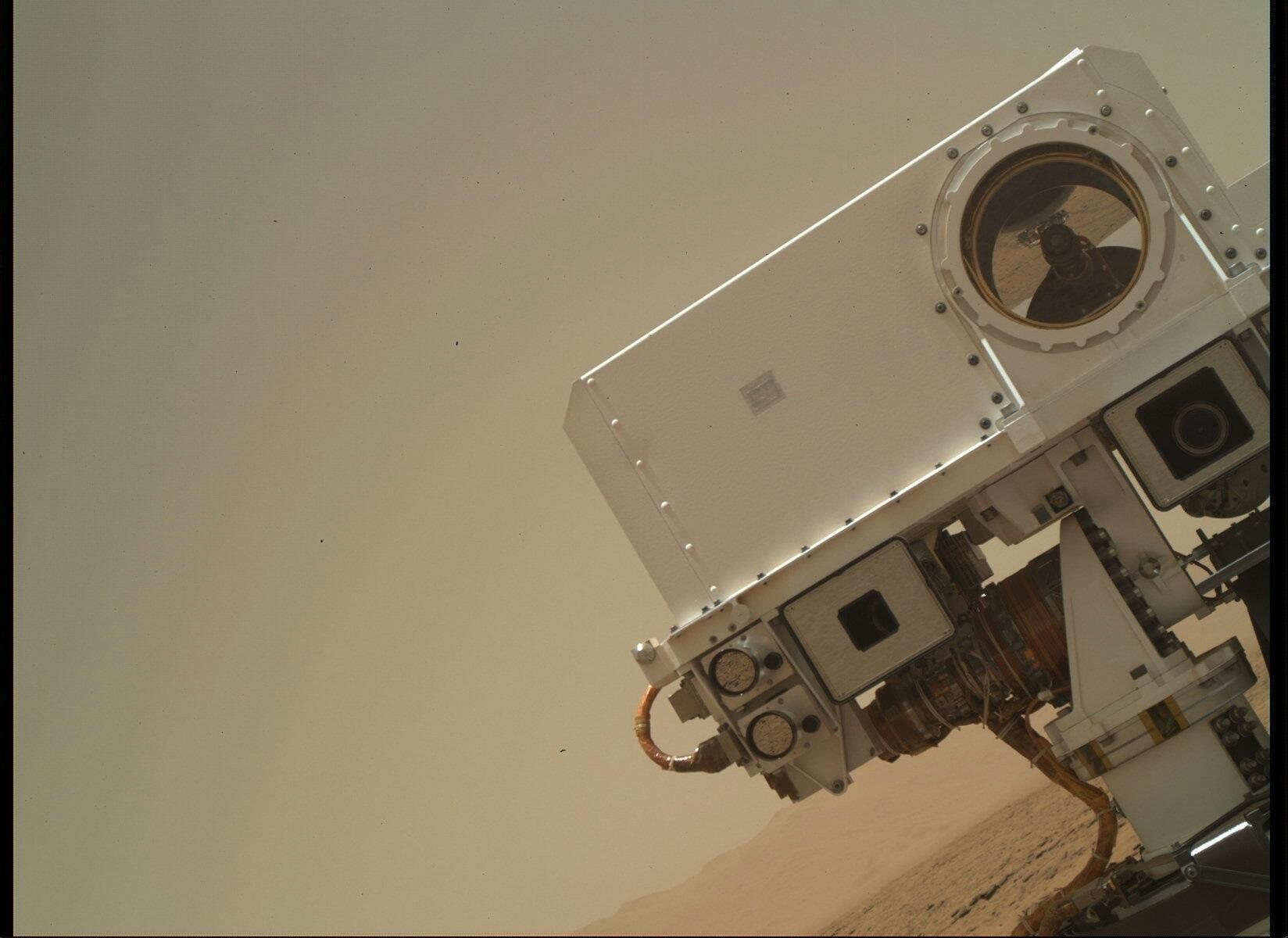 Description Selfie direct from Mars jpgMars Curiosity Selfie