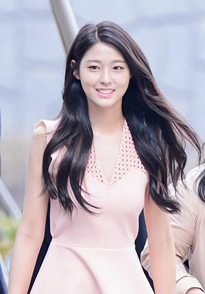 ผลการค้นหารูปภาพสำหรับ aoa seolhyun