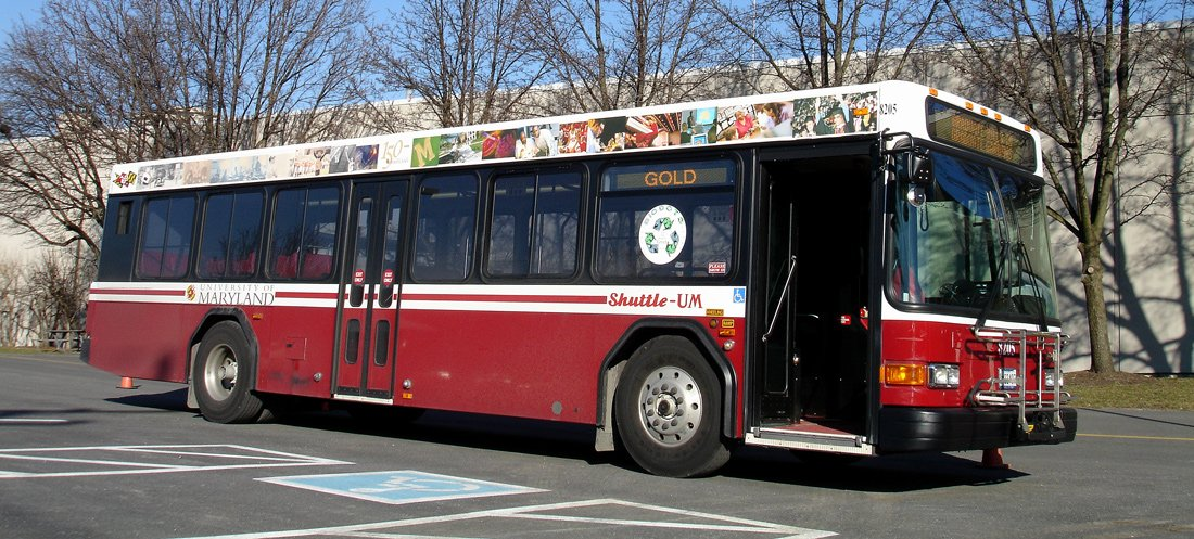 Shuttle UM bus