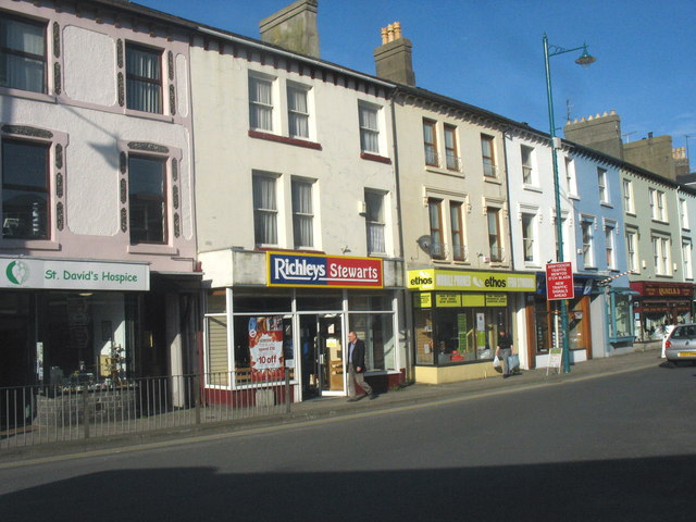 File Small Shops On Porthmadog 39 S High Street Geograph