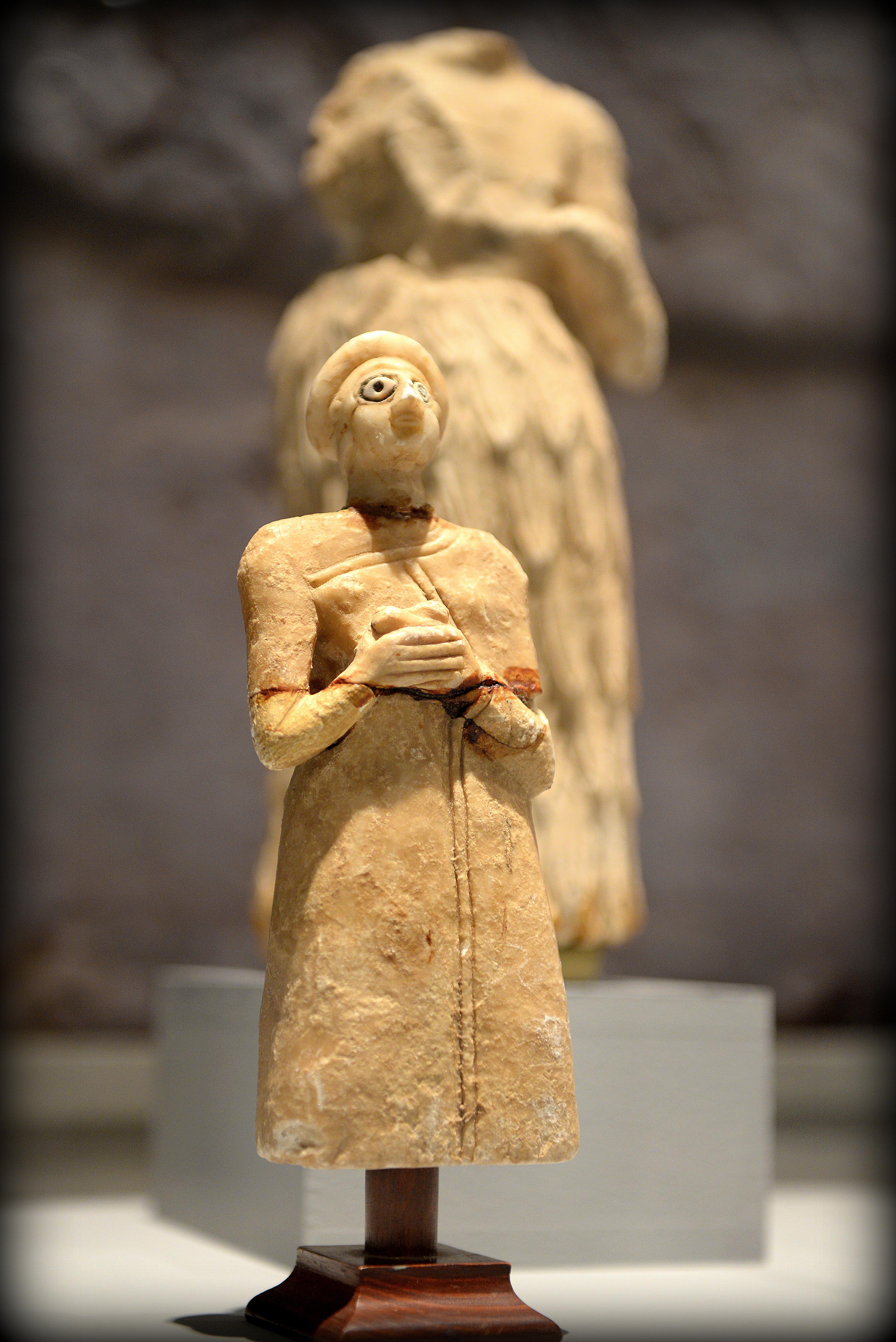 Sumerian worshipper statue