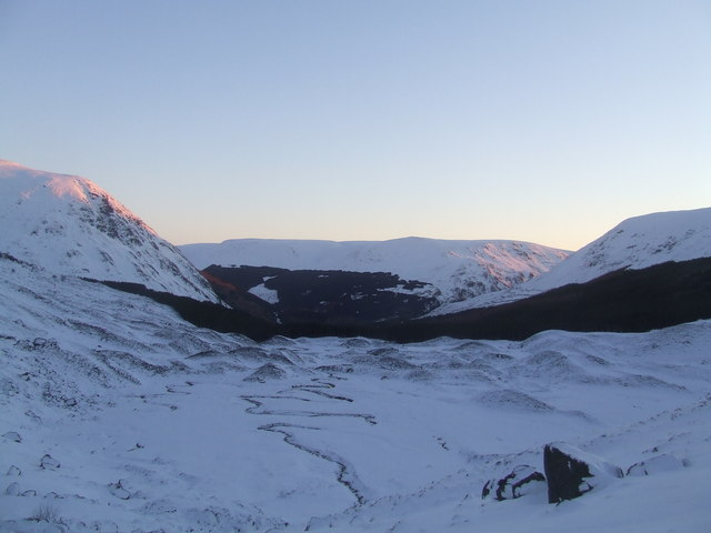 Sunrise in Corrie Fee - geograph.org.uk - 656258
