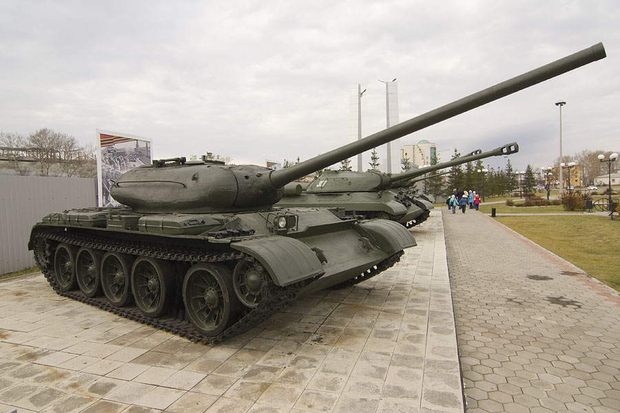 http://upload.wikimedia.org/wikipedia/commons/2/2c/Tank_T-54_in_Verkhnyaya_Pyshma.jpg