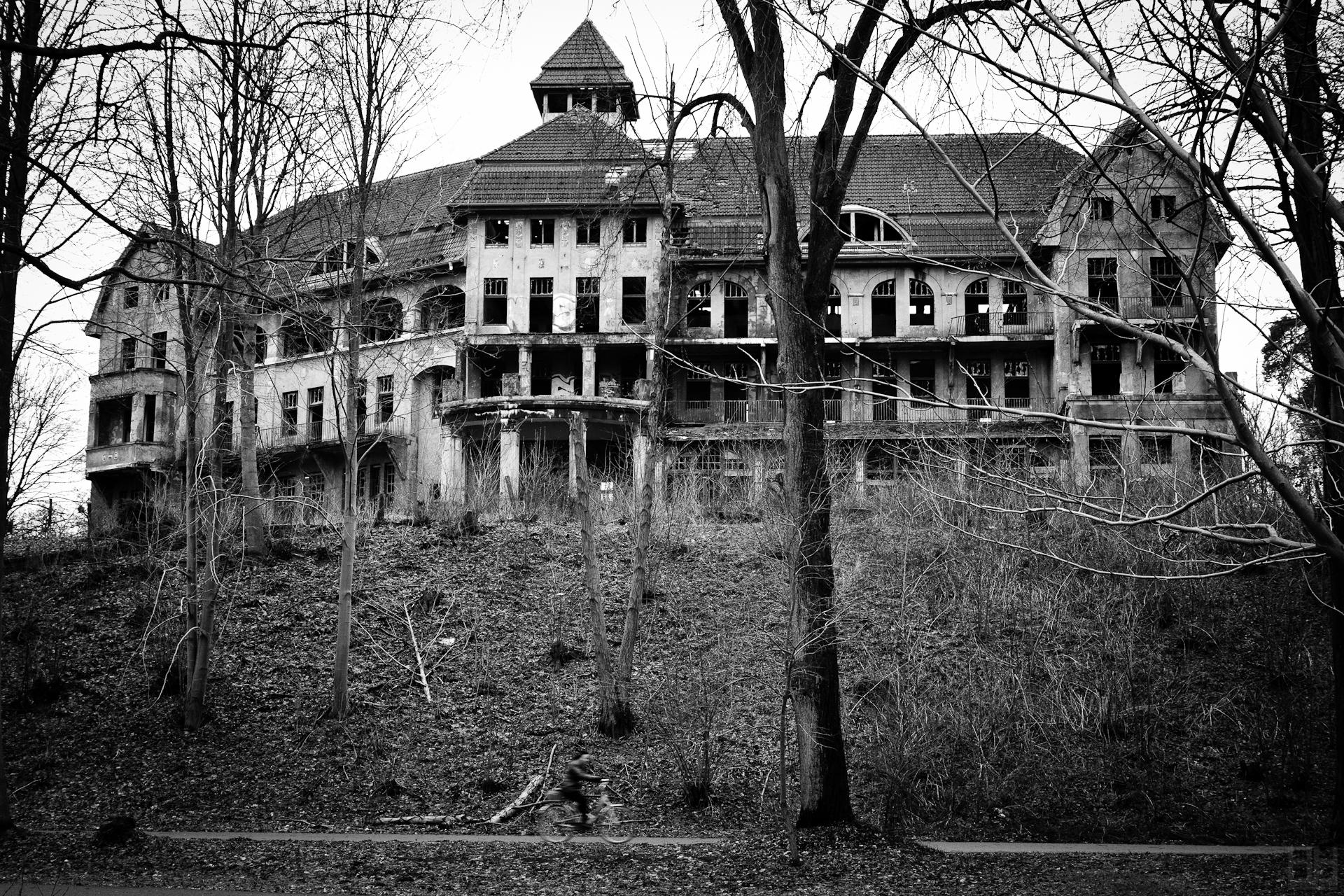 The Haunted House Das Geisterhaus