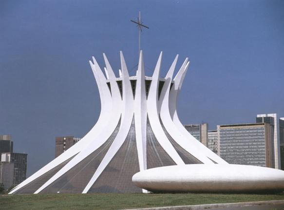 Najpoznatije svetske arhitekte The_cathedral_metr_galleryfull