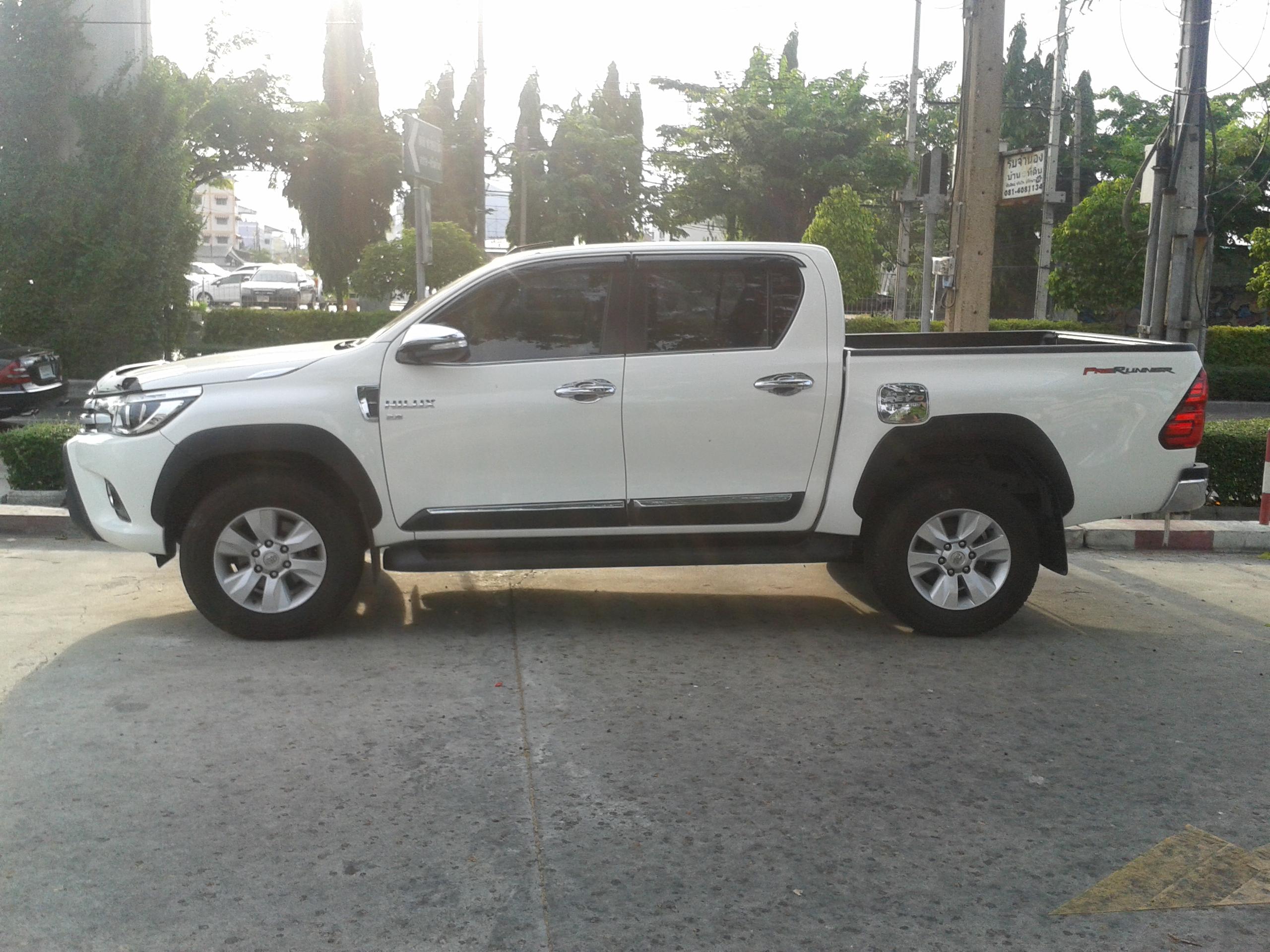 2015 Toyota Hilux 8th gen Ute vehicle