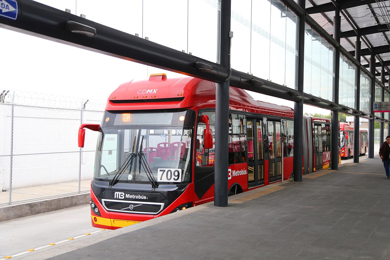 Transporte público de la Ciudad de México IMG 1004 (26911178281).jpg