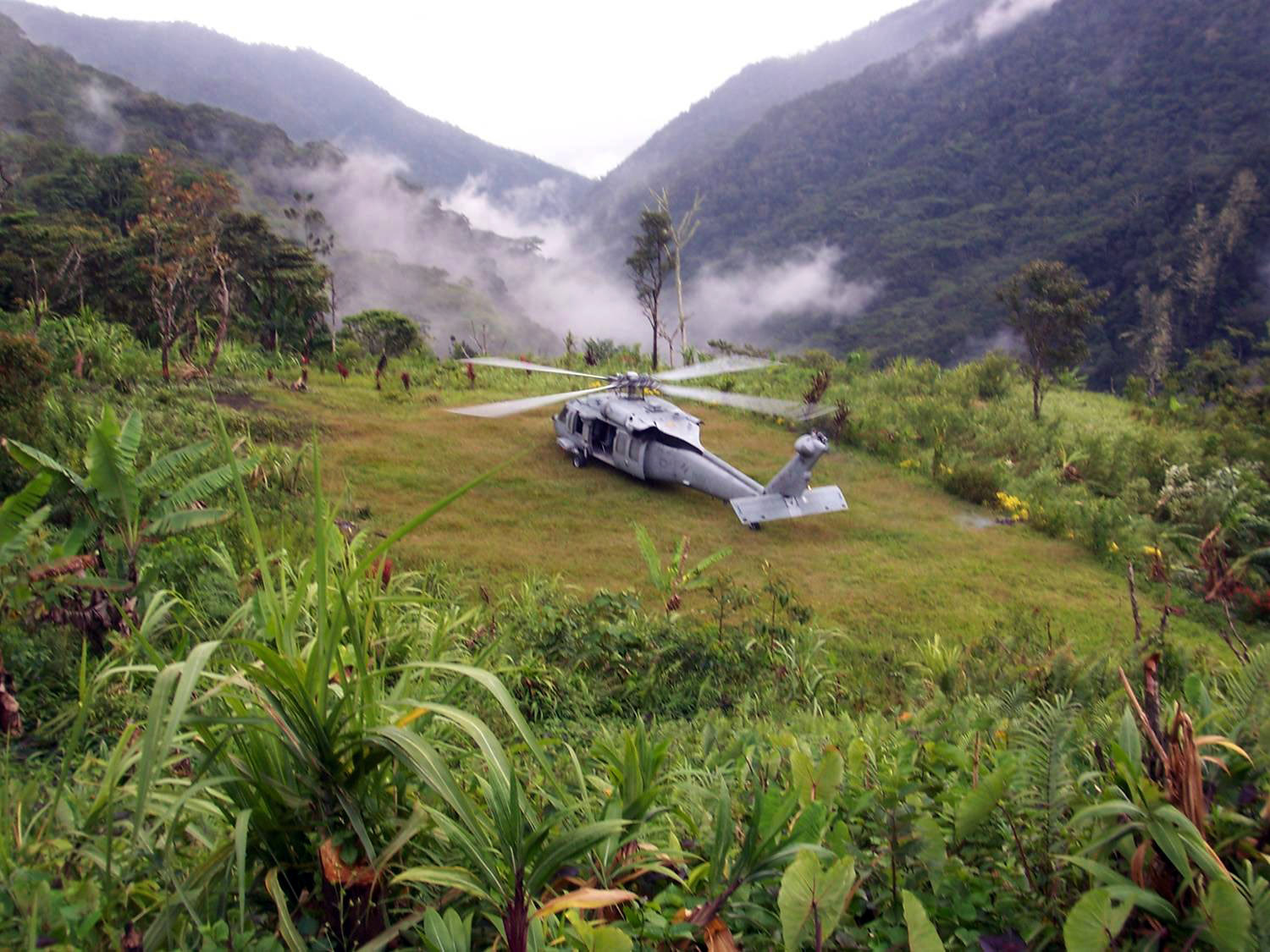new us helicopter with File Us Navy 080808 N 3591m 001 An Mh 60s Seahawk Helicopter From Helicopter  Bat Support Squadron  Hs  21  Based In San Diego  Lands Near Alola Village In The Owen Stanley Mountain Range In Papua New Guinea To Evacuate Australian on File German Eurocopter Tiger  2011 in addition SH 187 stealth helicopter furthermore 20892151028 likewise Dd62 Katrina furthermore H 19 walk1.