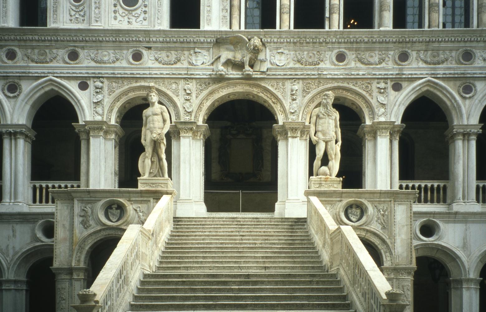 file venice doge palace entrance jpg wikimedia commons