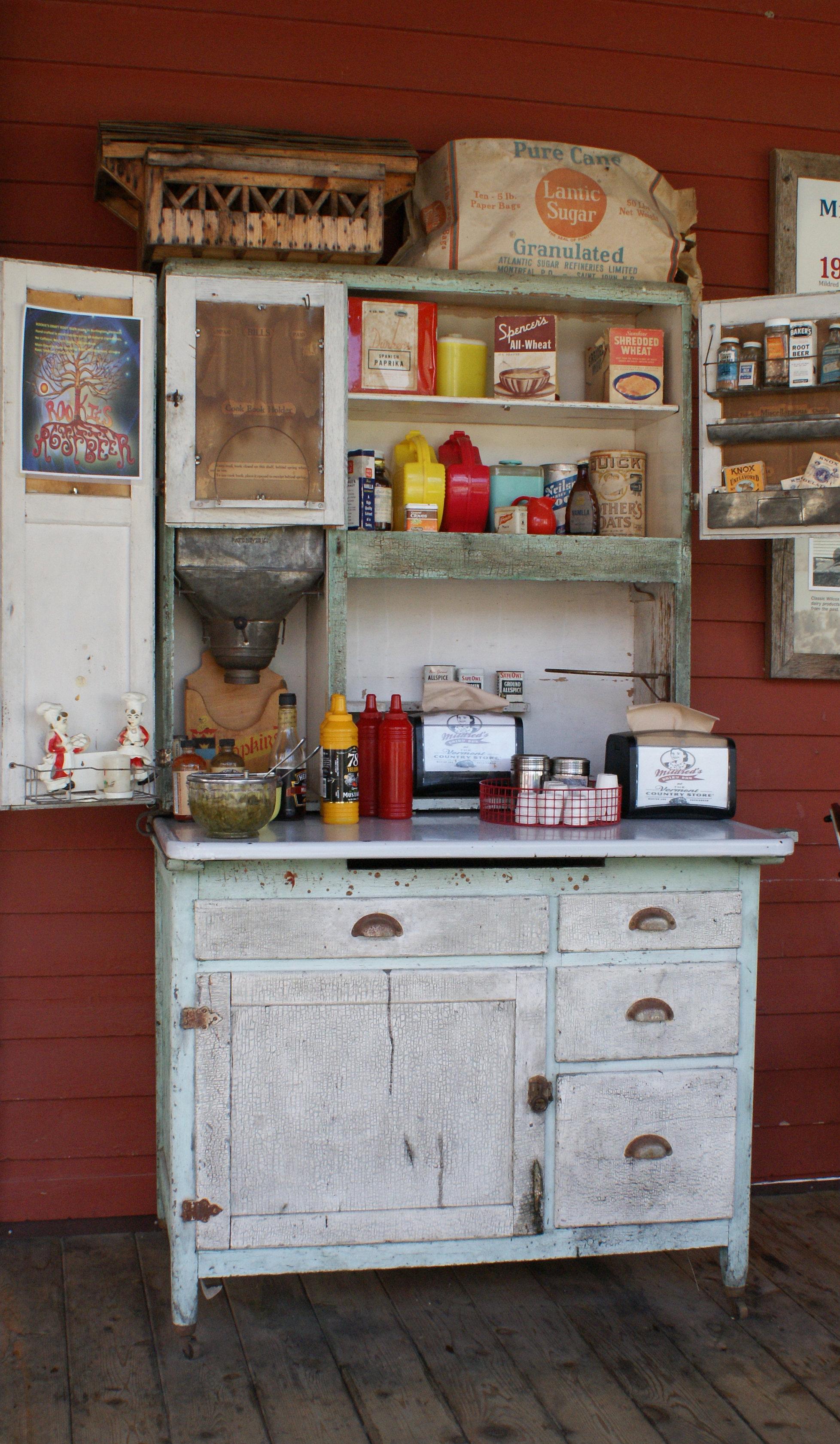 File:Vintage Kitchen Baking Cabinet And Storage Unit   DSC02663