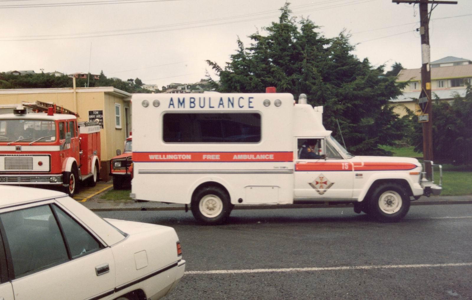 File Wellington Free Ambulance Jeep Flickr 111 Emergency 1 Jpg Wikimedia Commons