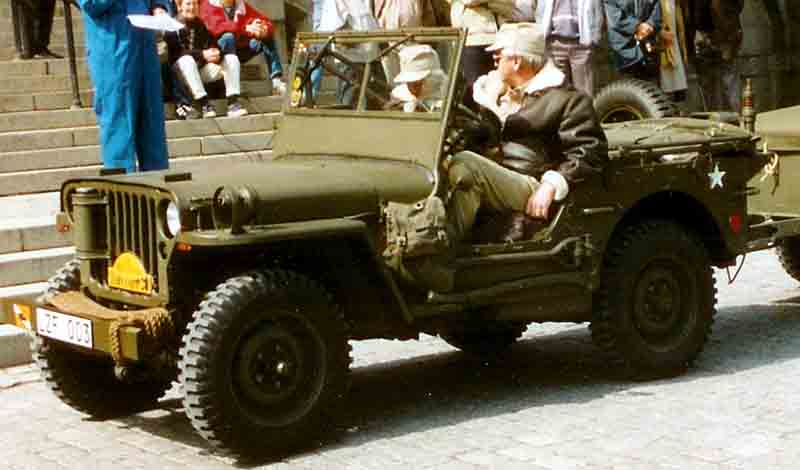 File:Willys MB Jeep 1945.jpg - Wikimedia Commons