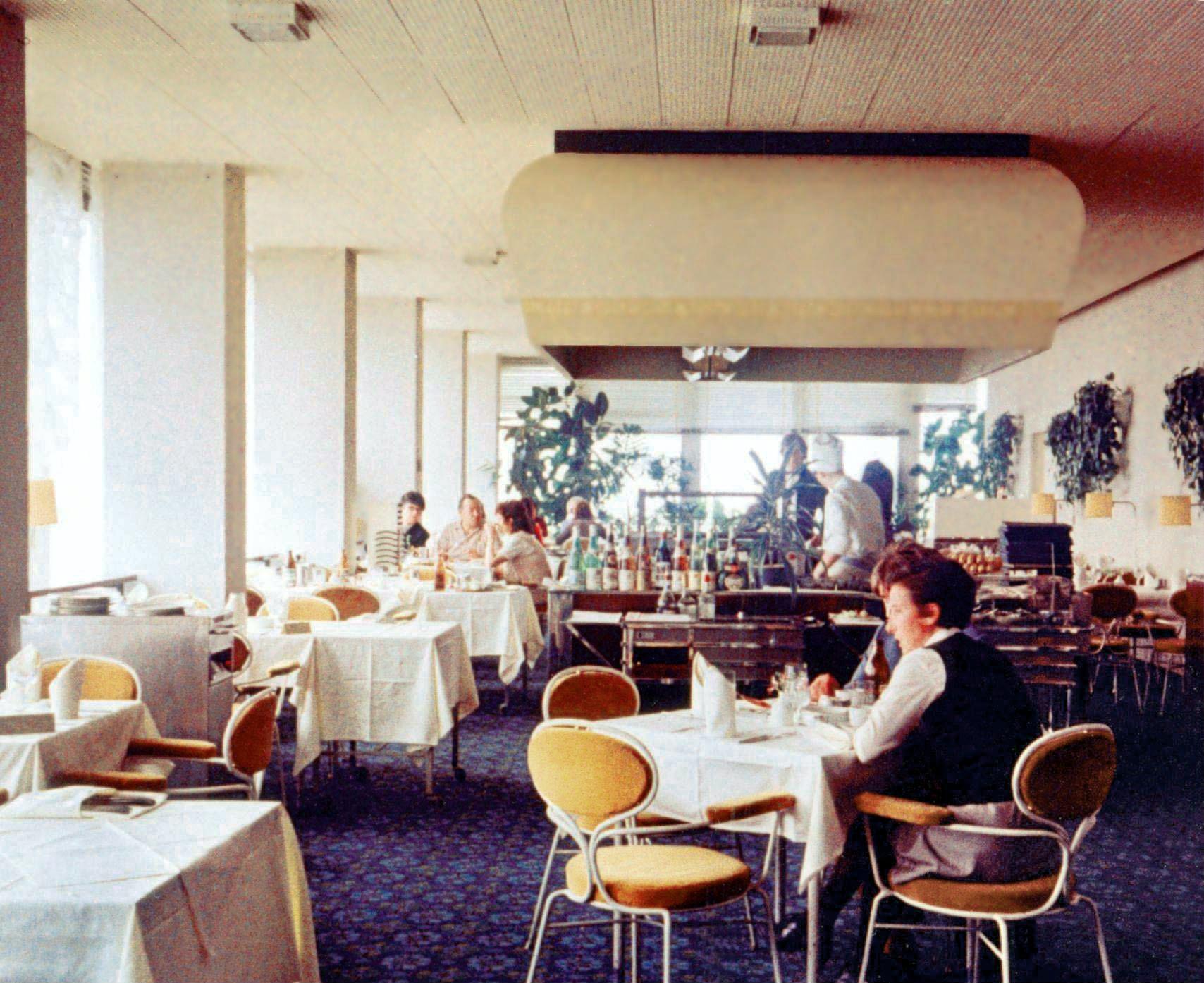 Restaurants berlin alexanderplatz