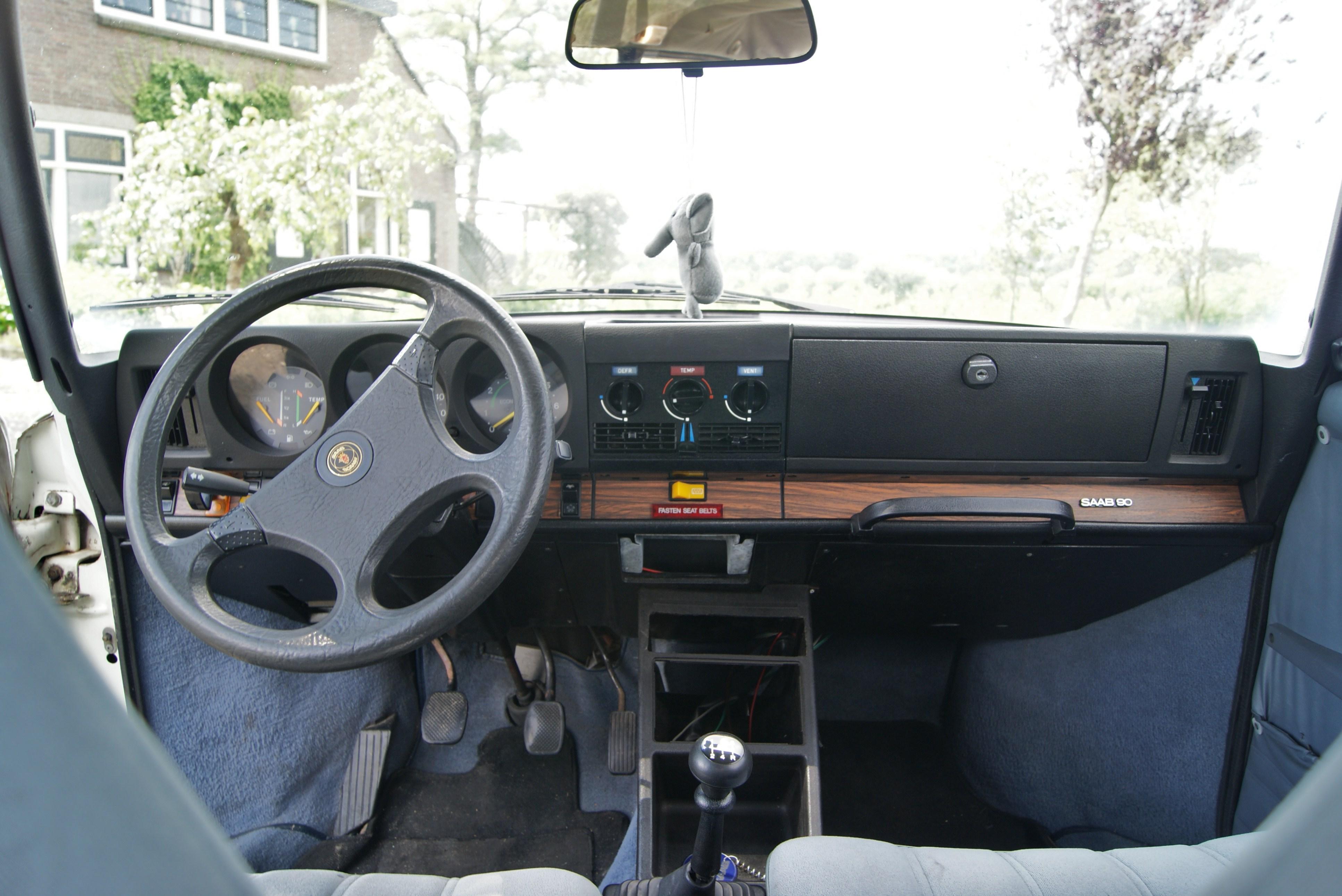 File:1986 Saab 90 - interior (10555407344).jpg - Wikimedia Commons